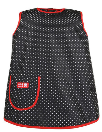 Black apron front with white dots.