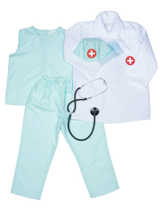 Byxor, tröja, stetoskop, doktorsrock, munskydd och klädsam mössa.